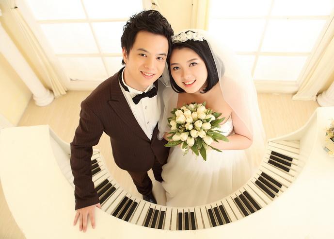 Yang Bo & Wei Jia